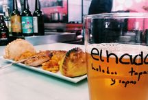 For Foodies / Taste local cuisine and discover new spots (food markets, restaurants, bars...) to experience Seville like a local!