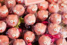 Amazing Cake Pops / by Bailey Brannon