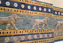 Berlín: Museo Pergamon / http://www.visitberlin.de/es/sitio/museo-de-pergamo-pergamonmuseum Lo más famoso: la puerta de Ishtar