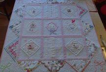vintage hanky quilt. very nice