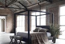 SYPIALNIA | bedroom / Piękna sypialnia - pomysły, inspiracje, aranżacje. Nastrojowe oświetlenie do sypialni. Meble i akcesoria - poduszki, koce i wiele innych.