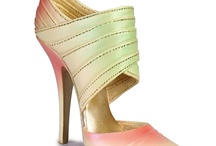 Minyatür Ayakkabılar / Just the Right Shoes