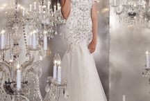 Style: Mermaid wedding dress / Beautiful selection of mermaid wedding dresses, that will look perfect for any type venue you pick.