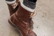 Boots / Brown with nice patters on them