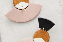 E(earrings)