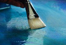 Vernis final MAT/LUCIOS / Vernisurile sunt straturile finale de lac ce se aplica peste lucrarea uscata cu scopul de a proteja pictura de murdarie, grasime sau alti factori atmosferici nocivi precum razele UV. Vernisul final  este o solutie realizata pe baza de rasina acrilica, folosit pentru protejarea picturilor in culori acrilice, ulei sau pe baza de apa dupa uscarea completa a acestora.Odata evaporat, solventul din vernis formeaza o pelicula omogena, dura, stralucitoare sau mata, dupa caz.Timp de uscare:15 min