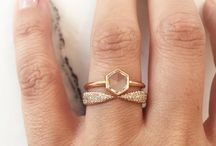 Diamonds are a girls best friend! / Ring designs