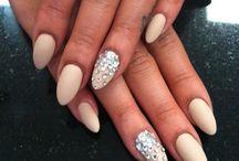 Nails & Makeup