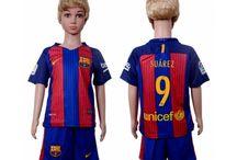 Billige Luis Suarez trøje Børn / Billige Luis Suarez trøje Børn på online butik. Luis Suarez hjemmebanetrøje/udebanetrøje/målmandstrøje/trøje langærmet tilbud  med eget navn.