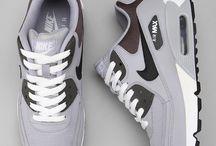 Sneaky sneak / Sneaker Pimp