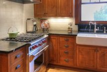 Kitchens / by Gail Holcomb