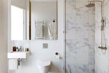 FPP #Timeless #Bathroom #Ideas / Neutral base with a pop of colour for a modern bathroom that'll last year after year. Touch of marble and modern bronze.