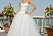 Wedding Dresses / by Meng Jin