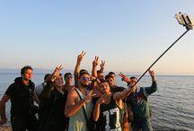 Immigrants, smartphone, selfies