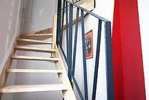 Escalier rambarde / Au delà de sa fonction de monter, un escalier peut redéfinir un espace intérieur et devenir un objet, un rangement ingenieux, ou l'identité d'une pièce.