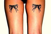 Tatuaggi con fiocco