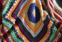 mantas de crochet / by Llanos Ruiz