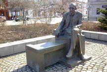Ławeczki pomnikowe - literaci i postacie literackie