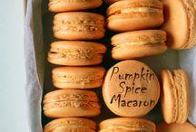 Cupcakes & Macarons ↖(^▽^)↗