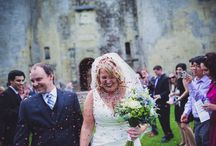A Classic American/English Wedding Design / Here is the beautiful wedding of Caroline and Tom Larson who got married at Old Wardour Castle and had their wedding reception North Cadbury Court. I loved been part of their special day.
