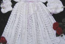 Vestiditos y chambritas de crochet
