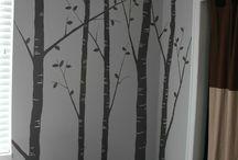 Stromy na stene...