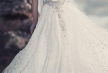 Bröllopsklänningar.