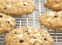 Bake: Cookies / by Kaitlyn Petry