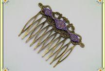 Peignes Barrettes cheveux perles et tissage / Tissage à l'aiguille de perles delica miyukis, montage sur estampes. personnalisation possible. Points de vente :  https://www.amazon.fr/handmade/Lydee-Deco https://lydeedeco.com/ https://lydee-deco.com/ https://www.etsy.com/fr/shop/lydeedeco