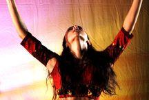 Danza espressiva araba con Gaia Scuderi / La danza #espressiva #araba fonda le sue basi sulla danza classica e sullo studio dei movimenti tipici della danza #orientale, trattando le due discipline come contaminazione organica. Con questa tecnica si approfondisce lo studio del movimento, del gesto nella danza e della sua relazione con lo #spazio.