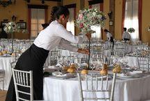 Decoración exclusiva, personal y diferente / Te asesoramos y aconsejamos en la decoración de tu boda, flores, centros de mesa, sillería, mantelería, velas, minutas, cartas, carteles, photocall, ...