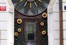 Doors.........I LOVE doors....It's as simple as that / by Karen Yakovich
