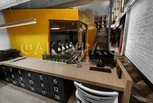 Фактуры для архитектурной студии / Уют и теплота, передаваемые идеей кирпичных стен в их первичном виде, удачно сочетаются с оригинальной декоративной фактурой Istria Armourcoat. Природные линии и современные технологии переплетаются воедино, создавая цельный образ. Istria отличается однородной фактурой с матовым декоративным эффектом.  В данном объекте Istria представлена в черном цвете.  Применение английской продукции Armourcoat – это всегда правильное решение, реализованное с помощью высококачественных материалов.