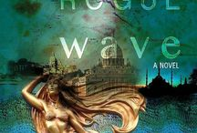 Rogue Wave, book 1 in the Crime by Design Series / An adventure suspense novel that weaves together elements of mystery, travel, art and design into a fast-paced, humorous read.