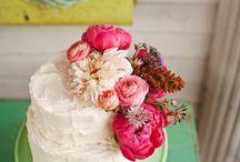 Flowers / Centre pieces, bouquets, button holes