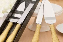 Wedding Cake Knives and Servers / Beautiful cake knife and server sets. The perfect keepsake for your wedding.