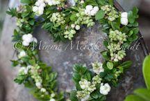 Kransar, blommor och hantverk