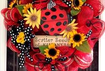 Wreaths / by Kimberly Pegel