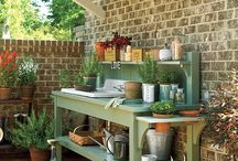 Garden shed/Potting Bench