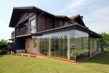 Porches acristalados / Porches de obra, madera con cortinas de cristal