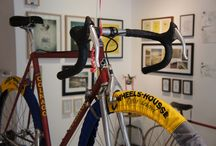 "Accrochage / Cycles Fumant dans le cadre d'""I ♥ Pédales"" chez Road Art Gallery / by Cycles Fumant"
