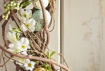 EASTER DECOR / Easter is on the horizon. If those holidays call for a fresh new look in your home, your decor changes don't have to be the familiar ones. Why not add a little more individuality this year, whether its sophistication and glamor, or a quirky sense of playfulness? Move away from cliche and embrace a new chic. You'll feel more upbeat about the seasonal effort, and the results will showcase not only your personality, but your ingenuity.