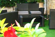 Le patio -- Les Jardins d'Aliénor - Oléron / Les Jardins d'Aliénor est un hôtel de charme et un restaurant gastronomique situé au Sud de l'île d'Oléron (au cœur du village du Château d'Oléron). / by Les Jardins d'Aliénor