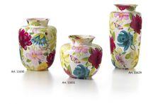 Jarrones de cerámica o porcelana. / Jarrones de cerámica o porcelana de alta calidad y cuidado diseño.  Modernos, clásicos, con motivos florales, colores lisos, ondulados, redondos, cuadrados...