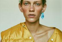 Exotic Gold / Skin Contact   Beauty- Makeup meets Interior  Vollkontakt