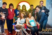 """Jukevoz WORKSHOP#01 / Registro fotográfico del ciclo JUKEVOZ WORKSHOP, capacitaciones para VOZ. Eventos educativos para todos aquellos que trabajan con la VOZ. """"Caracterización de la Voz"""". Concientización sobre herramientas para la creación de voces en animación. Pablo Gandolfo (actor de voz, doblaje y cantante). María Eugenia Perez Ibañez (fonoaudióloga). 30.04.15   C.A.B.A."""