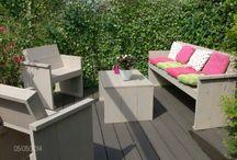 tuinset van steigerplanken, made bij Hout Mot / Tuinset gemaakt van steigerplanken, door klant geschilderd