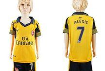 Billige Arsenal trøje Børn / Billige Arsenal trøje Børn på online butik. Arsenal hjemmebanetrøje/udebanetrøje/målmandstrøje/trøje langærmet tilbud  med eget navn.