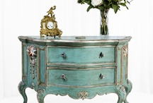 Consoles & Commodes