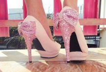 Footwear & Handbags  / Shoes, Sapatos, Zapatos, Esgidiau, Ayakkabi, Scrape, Chaussures, Cipele.......bascially just shoes